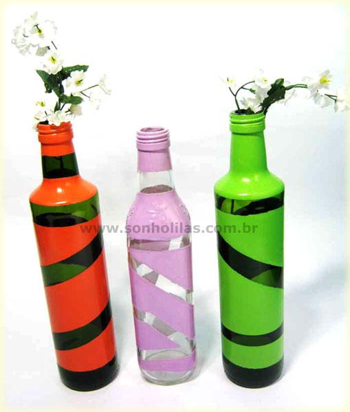 10 maneiras de decorar a mesa de Natal com garrafas de vinho